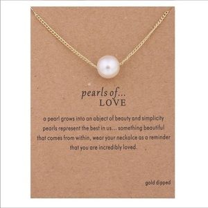 Jewelry - Pearls of Love Gold Necklace
